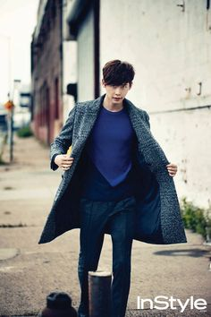 Lee Jong Suk models Fall fashion on the streets of New York