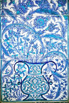 Ottoman Iznik Tile Design