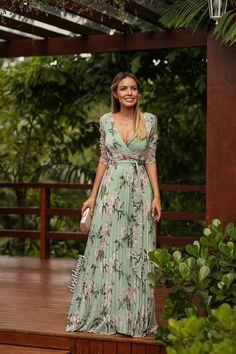 Dressy Dresses, 15 Dresses, Fashion Dresses, Floral Fashion, Colorful Fashion, Fashion Fashion, Fashion Shoes, Lace Dress Styles, Long Formal Gowns