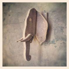 Olifant van steigerhout voor aan de muur...