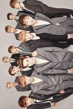 I can't live without them . Baekyeol, Kyungsoo, Chanyeol, Exo Wallpaper Hd, Wallpapers, Cute Messenger Bags, Exo Showtime, Exo Group, Girls Album