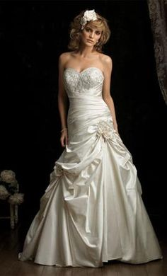 New With Tags Allure Wedding Dress 8683, Size 12
