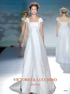 アクア・グラツィエがセレクトした、VICTORIO&LUCCHINO(ヴィクトリオ&ルッキーノ)のウェディングドレス、VL002をご紹介いたします。