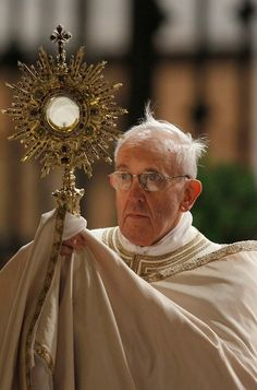 Pope Francis and the Blessed Sacrament.  You know, there is something about this man........He is a breath of fresh air in a formerly stodgy organization.........