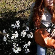Spring is around the corner #shoulderbag #leather #handmade #flower #nature