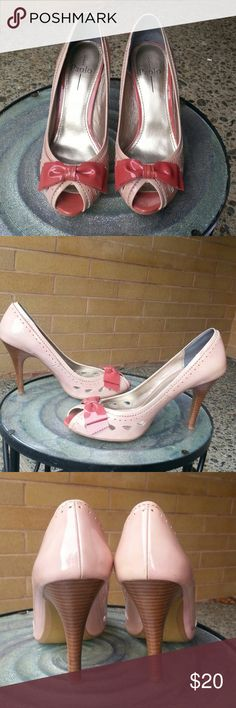 "Patent high heels Light pink w/pink bow,  patent leather, open toe,  wooden 3"" heel, cut out detail, ,  size 9, original box w/ extra heel tips, very cute, Paolo Shoes Heels"