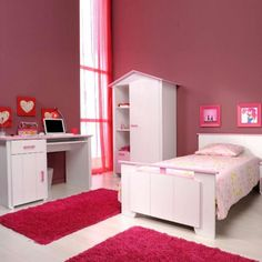 http://www.justsoakit.com/wp-content/uploads/2015/01/amusing-pink-bedroom-interior-design-with-hot-pink-fur-rug-on-floor-as-well-white-paint-furniture-set-also-pink-transparent-curtain-glass-window-corner-669x669.jpg