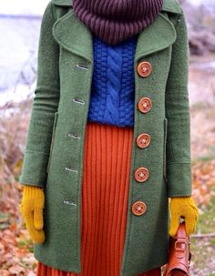 pinned for the green coat which looks muted in this photo Looks Style, Style Me, Pretty Outfits, Cute Outfits, Classy Outfits, Casual Outfits, Moda Fashion, Womens Fashion, Vintage Outfits