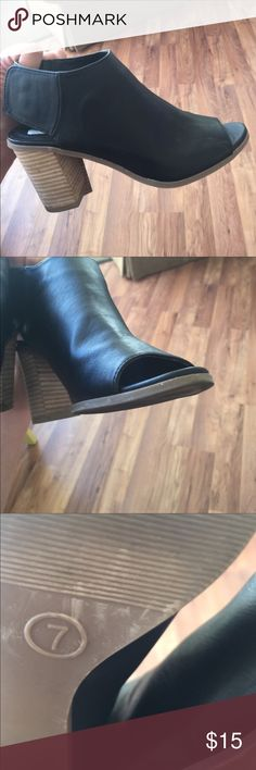 Black wedges no flaws    size 7 Urban Outfitters Shoes Wedges