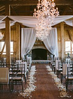 Help your wedding procession find their way – Wedding Flower Inspiration