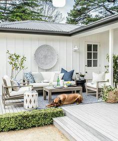 Diy garden room outdoor backyard patio decor ideas on a budget. Modern Farmhouse Exterior, Modern Farmhouse Kitchens, Farmhouse Landscaping, Farmhouse Front, Kitchen Modern, Outdoor Living Rooms, Outdoor Spaces, Modern Outdoor Decor, Modern Patio