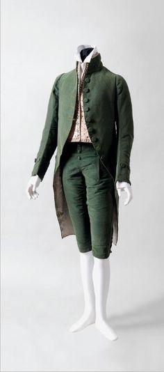 TRAJE FORMAL DE TERCIOPELO DE SEDA SIN CORTAR ANULADO   CON CHALECO DE SEDA BORDADO   Probablemente francés, ca. 1790-1800