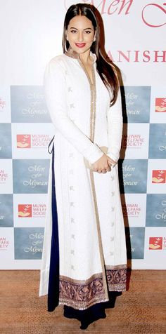 Sonakshi Sinha at the Mijwan Fashion Show. #Style #Bollywood #Fashion #Beauty