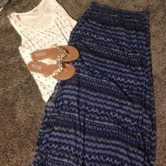 Hollister maxi skirt NWOT never worn no damage, haa slits on both side, has long sheer layer and then a thick short layer underneath, elastic band around waist, open to reasonable offers, no trades Hollister Skirts Maxi