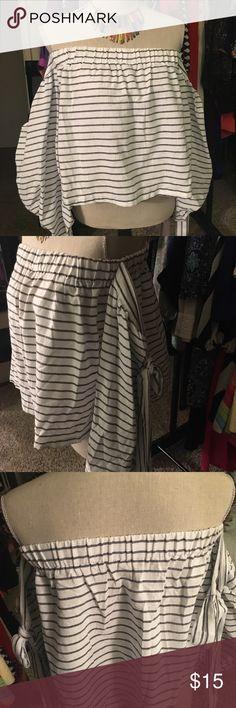Super cute off shoulder cotton blouse Cotton off shoulder blouse grey stripes on white - Tops Blouses