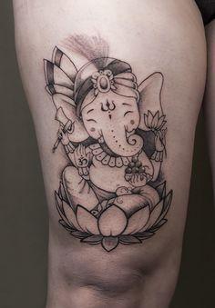 tattoo tattoos tat ink inked tattooed tattoist coverup art design sleevetattoo handtattoo chesttattoo bodyart old school realism Ganesh Tattoo, Kunst Tattoos, Tattoo Drawings, Tattoos For Women Small, Tattoos For Guys, Ganesha Drawing, Leg Henna, Petit Tattoo, God Tattoos