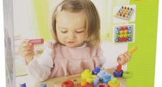 Die bunten Stecker und Ringe ermöglichen verschiedene Steckvarianten. Mit Hilfe der Stecker lassen sich die Ringe sogar in die Höhe stapeln. Das Steckspiel eignet sich für das freie Spiel.Die Kinder lieben es .