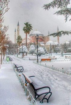 Hagia Sophia in a snowy day, Istanbul. Hagia Sophia Istanbul, Travel Around The World, Around The Worlds, Places To Travel, Places To Visit, Empire Ottoman, Byzantine Architecture, Nature Landscape, Turkey Photos