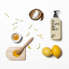 Stop the water while using me Acacia Honey, Use Me, Natural Cosmetics, The Fresh, Food To Make, Moisturizer, Lemon, Place Card Holders, Small Things
