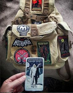 Pin And Patches, Sew On Patches, Vintage Glam, Mochila Grunge, Retro Outfits, Cute Outfits, Mochila Jansport, National Park Patches, Mode Punk