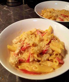Creamy Sweet Chilli Garlic Chicken and Capsicum Pasta |