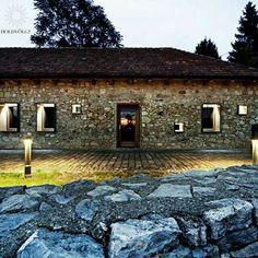 Holdvölgy borászat főépület Holdvölgy cellar winery mád Tokaj-Hegyalja wineregion tokaj hungarianwine hungary pince wein kalandos borkóstoló a holdvölgy pincelabirintus ban. Öt csodás holdvölgy bort rejtettünk el a többszáz éves, két kilométeres háromszintes pincelabirintusban,melyet egy térkép segítségével kell megtalálni. Ad adventurous winetasting experience in the Holdvölgy Cellar system! Five terroir-crafted Holdvölgy wines hidden in the 6 century old basments.... wine whitewine…