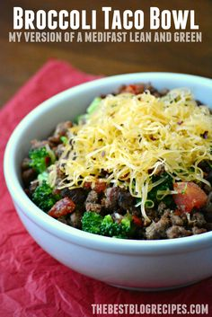Macaroni Goulash + 40 Easy, Money-Saving Ground Beef Dinners If you're looking for new Medifast Lean and Green Recipes then you'll definitely want to try this Broccoli Taco Bowl! It's easy to make and delicious! Medifast Recipes, Beef Recipes, Cooking Recipes, Healthy Recipes, Hamburger Recipes, Cleaning Recipes, Chicken Recipes, Goulash, Clean Eating Recipes