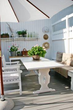 You can`t use up CREATIVITY. Outside Seating Area, Seating Areas, Scandinavian Garden, Swedish Interiors, Vibeke Design, Pergola, Garden Living, Outdoor Furniture Sets, Outdoor Decor