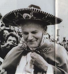 Pope John Paul II wears a sombrero on April 1979 during a Mexican band's visit to the Vatican. Jean Paul Ii, Pope John Paul Ii, Paul 2, God Of Wonders, Papa Juan Pablo Ii, Pope Benedict, Papa Francisco, Catholic Saints, Our Lady