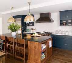 A Navy Kitchen Reveal | Lauren Liess - Pure Style Home | Bloglovin'
