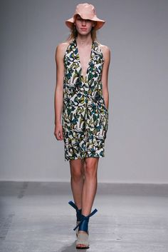 Christian Wijnants Spring 2015 Ready-to-Wear - Collection - Gallery - Look 11 - Style.com