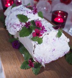 Kulinaari: Suolainen jouluhalko on joulunajan hauska tarjotta... Takana, Cake, Desserts, Food, Tailgate Desserts, Deserts, Kuchen, Essen, Postres
