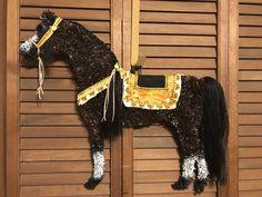 Items similar to Arabian Horse Wreath/Horse Wreath/Horse head Wreath on Etsy Dressage Horses, Friesian Horse, Horse Head Wreath, Wreath Crafts, Art Crafts, Horse Crafts, Horse Art, Yellow Roses, Pony