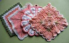 Vintage Hand Crochetted Pot-Holders Hot Mats Set of 4 Peachy Coral Colored