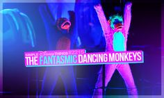 2215. The fantasmic dancing monkeys