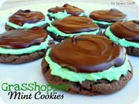 Six Sisters Grasshopper Mint Chocolate Cake Mix Cookies. So easy...made with a cake mix! #sixsistersstuff