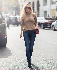 Las prendas sencillas pueden ser las más estilosas si se llevan con clase. Una apuesta por el 'efortless' look.  Su blog: Sofi's Snapshots