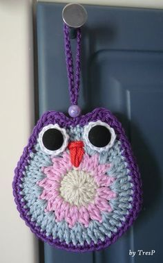 Ideas For Crochet Christmas Hats Yarns Owl Knitting Pattern, Crochet Potholder Patterns, Crochet Owls, Love Crochet, Crochet Yarn, Crochet Keychain, Crochet Bookmarks, Crochet Tutorial, Plastic Bag Crochet