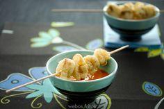 Calamares crujientes con salsa picante o alioli.
