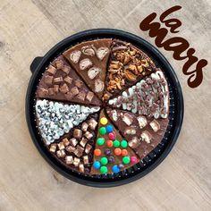 Sundays never been so good 🍕🥛#Brownieslamars #pizzabrownie  Ármala como quieras y compartela con todos! 🍕🙌🏾 3012023523📞 #Barranquilla #brownies