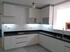 Cocinas dise o de cocinas en pinto rey gola blanco for Muebles de cocina alve