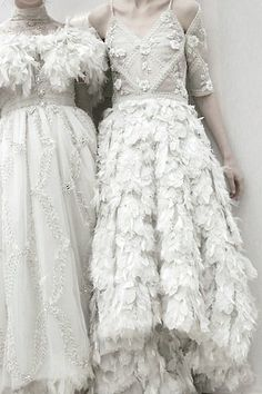 Chanel Haute Couture s/s 2013 Would so wear them as wedding dresses Couture Mode, Style Couture, Couture Fashion, Chanel Couture, Chanel Fashion, Runway Fashion, Mode Chanel, Fashion Details, Fashion Design