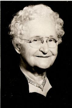 Rosa Aretta Abbott (1878 - 1967) 1st cousin of wife of brother-in-law of sister-in-law of 1st cousin of wife of grand nephew of wife of 2nd cousin 6x removed