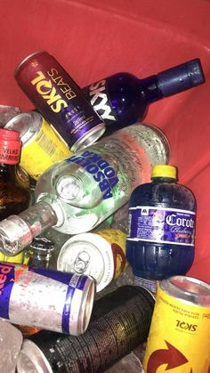 Bigudi Club - Lesbian Friendly Bars and Clubs in Istanbul Lets Get Drunk, Getting Drunk, Alcohol Aesthetic, Bars And Clubs, Absolut Vodka, Alcohol Bottles, Partying Hard, Teen Life, Party Drinks