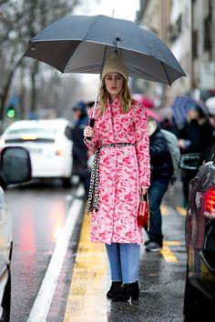 Sotto la pioggia in pink -cosmopolitan.it