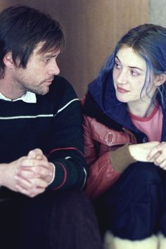 iseefilm:    Jim Carrey and Kate Winslet in Eternal Sunshine of the Spotless Mind (2004)