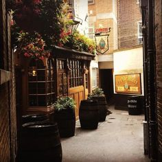 The Oldest Pubs In London (And Why You Should Drink There)