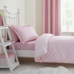 Shop for Catherine Lansfield Daisy Dreamer Single Quilt Set, Pink. Starting from Compare live & historic home bed and bath prices. Pink And Grey Bedding, Pink Bedding, Duvet Bedding, Luxury Bedding, Floral Bedding, Girls Duvet Covers, White Duvet Covers, Bed Duvet Covers, Bed Sets