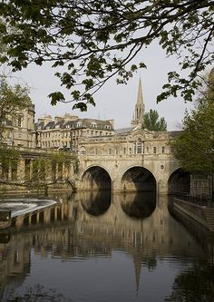 Pulteney Bridge, Bath, England, United Kingdom, photograph by Michael Maggs. Places Around The World, Oh The Places You'll Go, Places To Travel, Places To Visit, Around The Worlds, Time Travel, Voyager Loin, England And Scotland, Somerset England