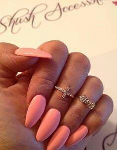 #coral #pink #peach #stilleto #nails
